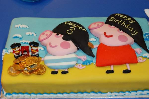Casper's Peppa and George pirate birthday cake