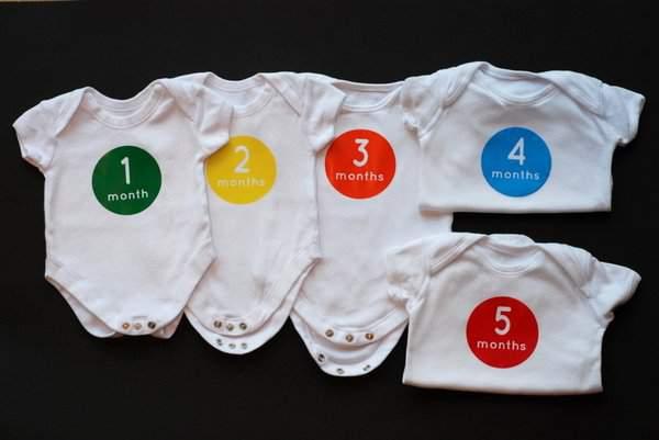 FIrst 12 months baby vest set