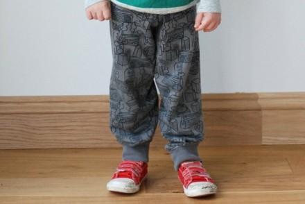 ghettoblastersweaterpants1