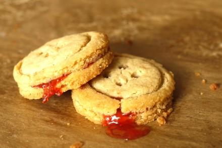 peanut-butter-jammy-dodgers-039