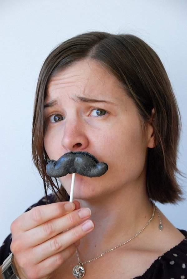 Moustache Macaron Pops 1