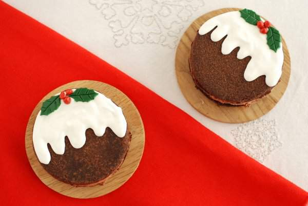 Chocolate Christmas Pud Ice Cream Cookie Sandwich 2