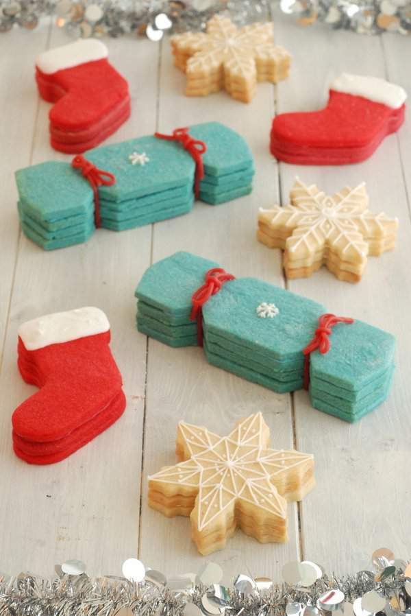 Christmas Cookies with Hidden Presents 3
