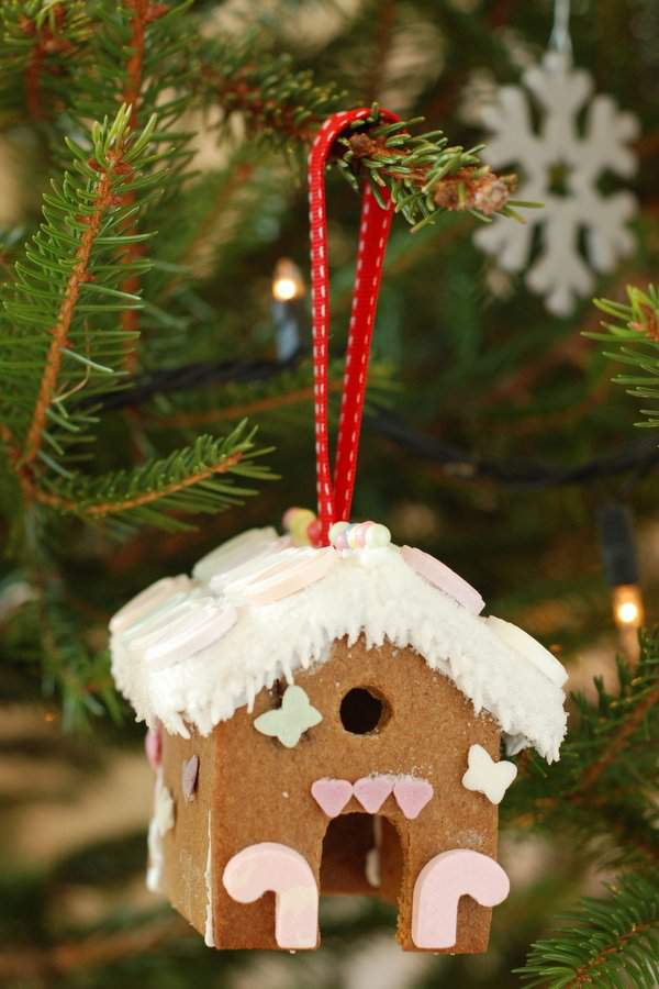 Gingerbread House Tree Ornaments 3