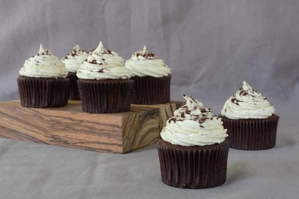 chocolatebananapeanutbuttercookiedoughcupcakes2.jpg