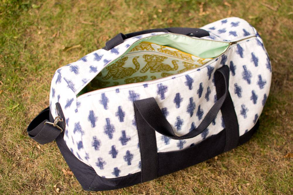 Portside Duffle Bag with interior pockets