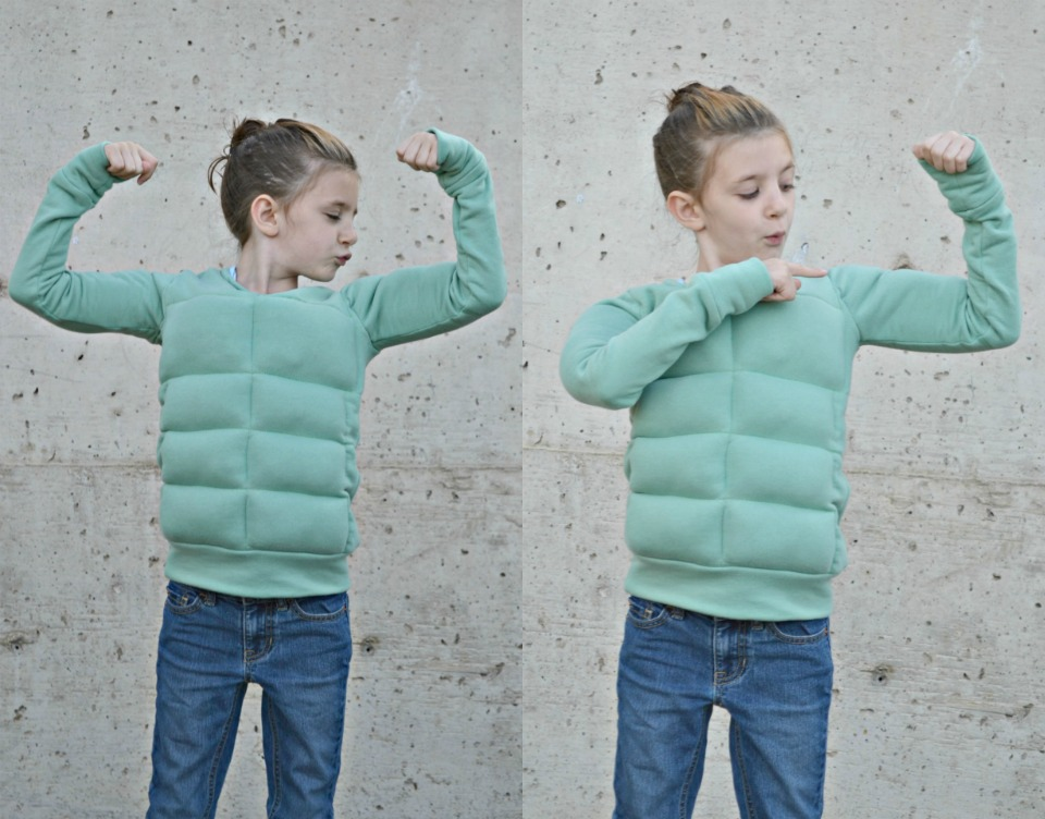 A simple tutorial to turn the Rowan Tee into a Muscle Man Sweatshirt. Free 'muscle' add on pattern coming tomorrow.