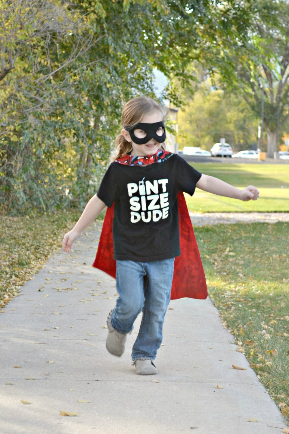 Free DIY Superhero Cape and Mask pattern. Would be great for Halloween or the dress up box!