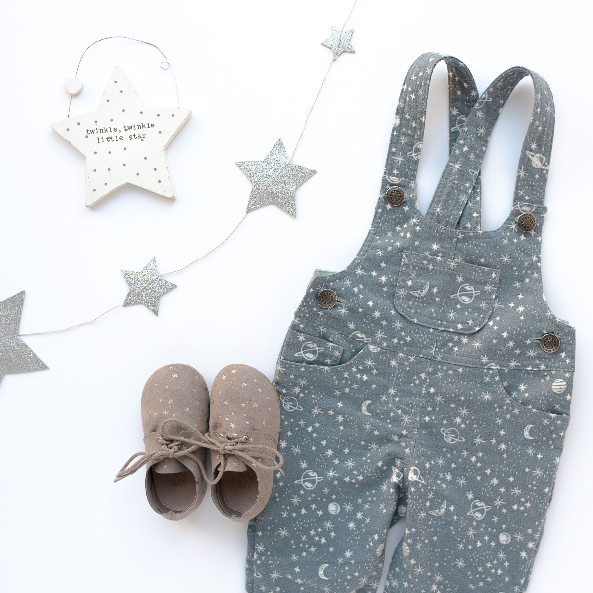 loveralls-dungarees-by-petit-a-petit-patterns-flat-lay