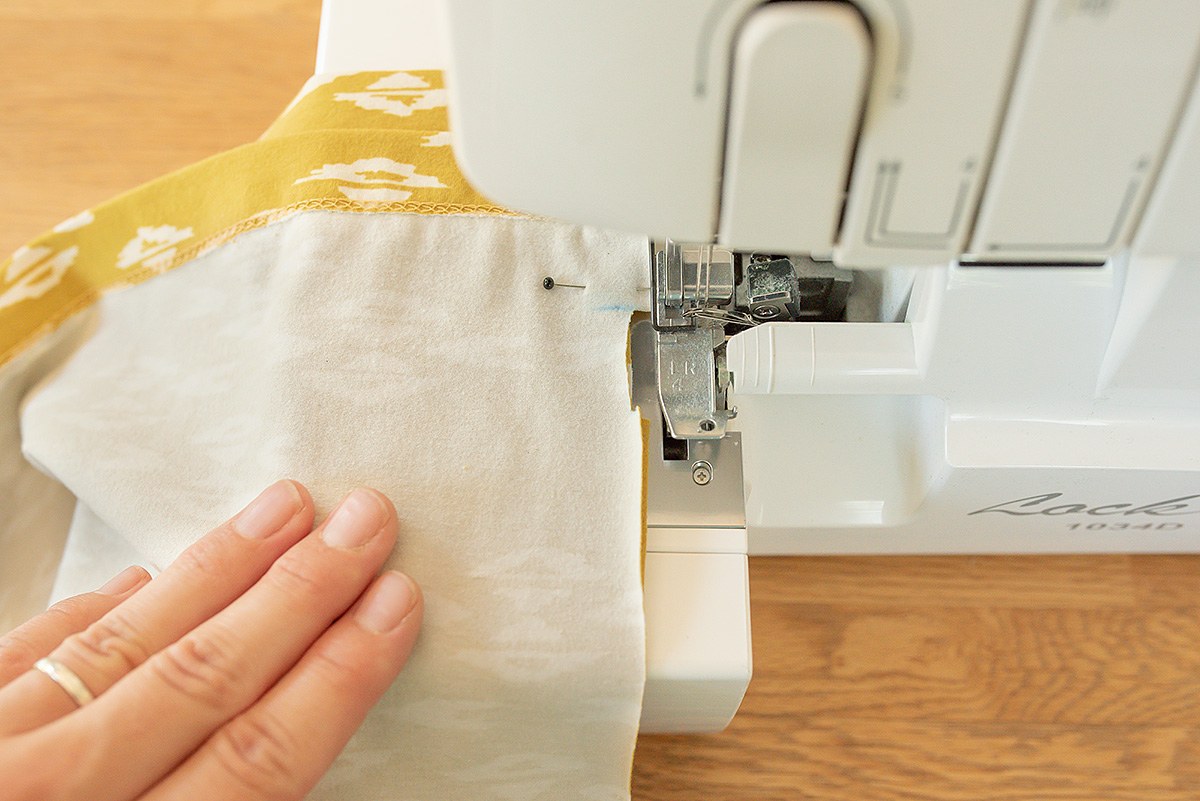 Titchy Threads Rowan Tee Hi-lo split side seam tutorial - step 3b serger