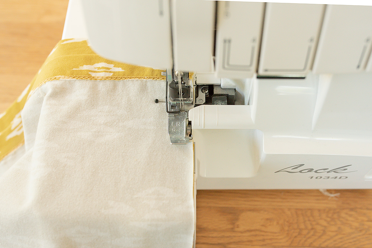 Titchy Threads Rowan Tee Hi-lo split side seam tutorial - step 3c serger