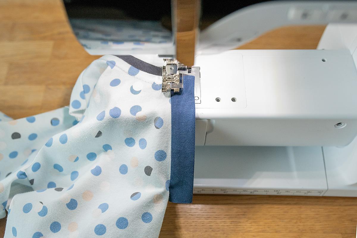 Titchy Threads Rowan Tee henley placket tutorial - step 5d